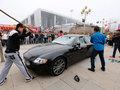 Возмутившись плохим сервисом, китаец разгромил свой Maserati