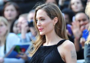 Стиль жизни - Новости моды - Первый выход Джоли после операции