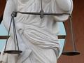 Избирательное правосудие отпугивает иностранных инвесторов от Украины - Reuters