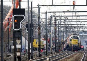 Число пострадавших при столкновении поездов в Швейцарии возросло до 44