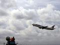 В США у пассажирского самолета во время полета отказали оба двигателя