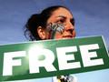 Лауреаты Нобелевской премии написали Путину письмо в защиту арестованных активистов Greenpeace