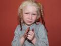 Тест ДНК подтвердил, что светловолосая и голубоглазая девочка - дочь ирландских цыган