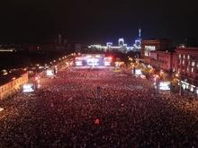 Брайан Мэй: Это была одна из самых запоминающихся ночей в нашей жизни