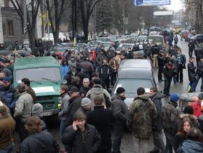 Корреспондент: Массовые протесты украинцев грозят взорвать страну