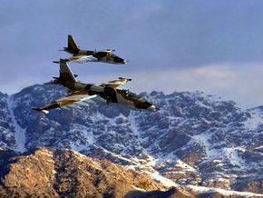 ...а штурмовики СУ - 25, кстати несколько штурмовиков с Буденновского...