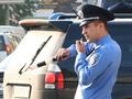 В Сумах гаишники оштрафовали водителя дорожного катка за то, что не пропустил пешеходов