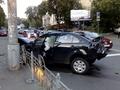 Автомобиль Mitsubishi врезался в BMW, зацепив троллейбус. ФОТО