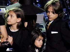 Опекуном детей Майкла Джексона назначена мать певца