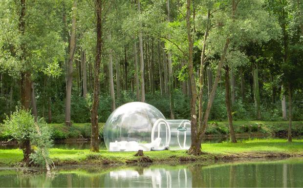 Хомячий номер, гигантский пузырь или комната вверх ногами. 15 самых странных отелей в мире