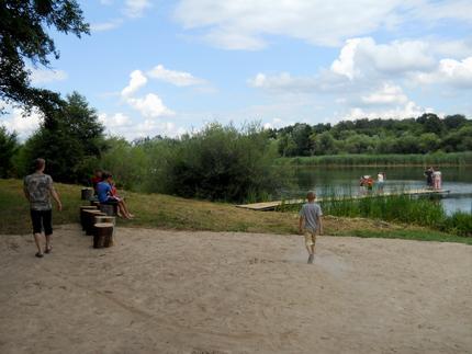 Місце видпочинку для вінничан облаштоване С.Виговським на березі річки