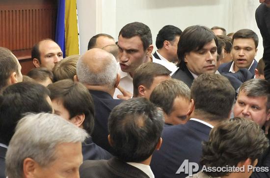 Блок Кличко хочет заблокировать работу Киевсовета