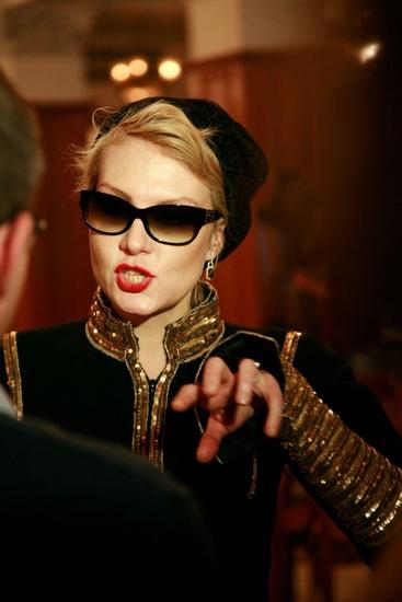 3 декабря 2009 года в Киеве состоялась премьера нового фильма Киры Муратовой Мелодия для шарманки.