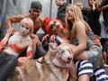 Зомби атакуют. В Киеве прошел парад зомби