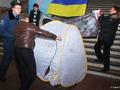 Подземный протест. Активисты КУПР пытались установить палатку в метро
