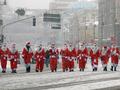 Люди в красном. Парад Дедов Морозов на Крещатике