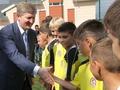 Ахметов и 1 сентября. Самый богатый человек Украины подарил своей школе новый комплекс