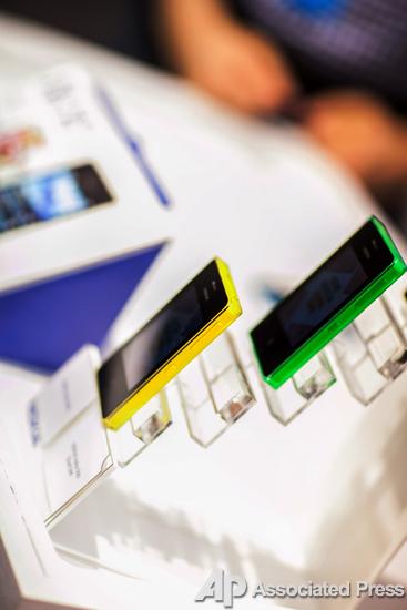 Первый планшет и два фаблета. Nokia презентовала новые гаджеты