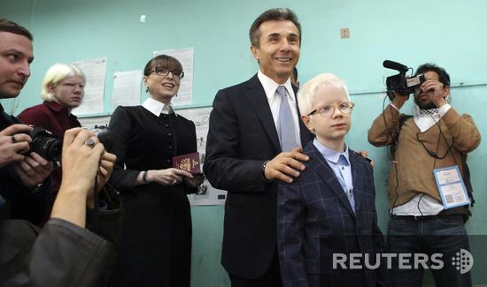 Премьер Бидзина Иванишвили голосовал вместе с сыновьями